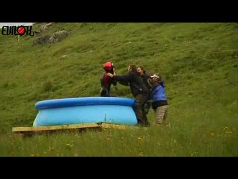 saut toboggan piscine eau